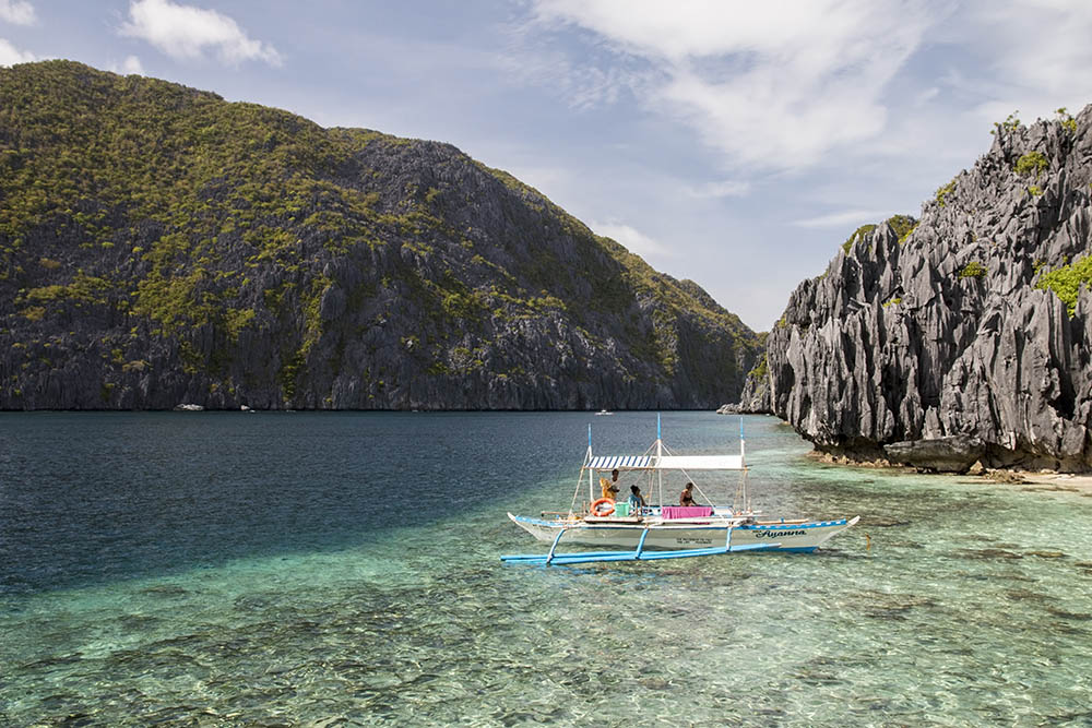 Famous Island hopping at El Nida on Palawan - Bacuitské Islands