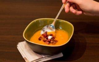 Hotová dýňová polévka