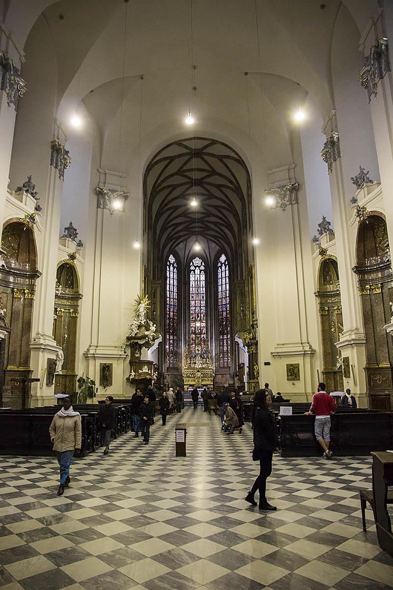 Interiér sv. Petra a Pavla v Brně