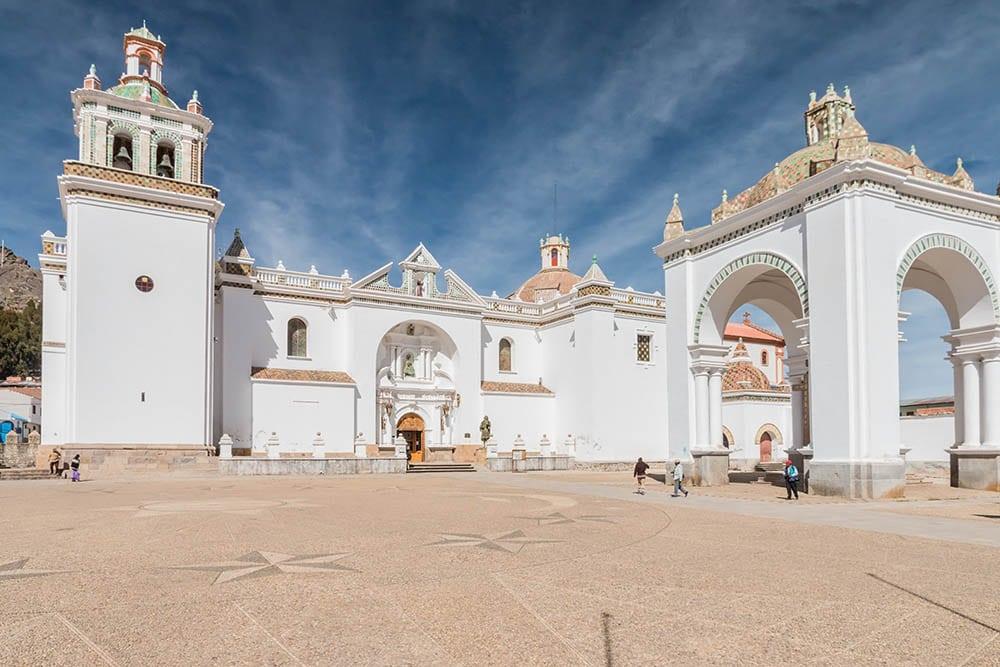 Catedral de la Virgen de la Candelaria v Copacabaně