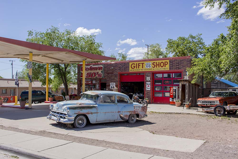 Souvenir shops around the Route 66