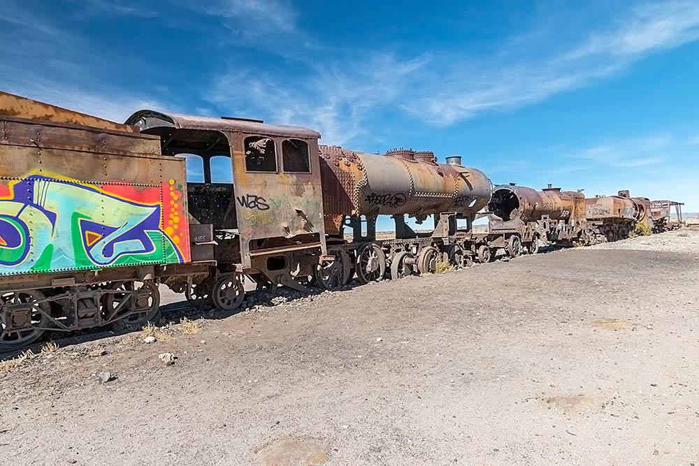 Vlakový hřbitov v Uyuni v Bolívii
