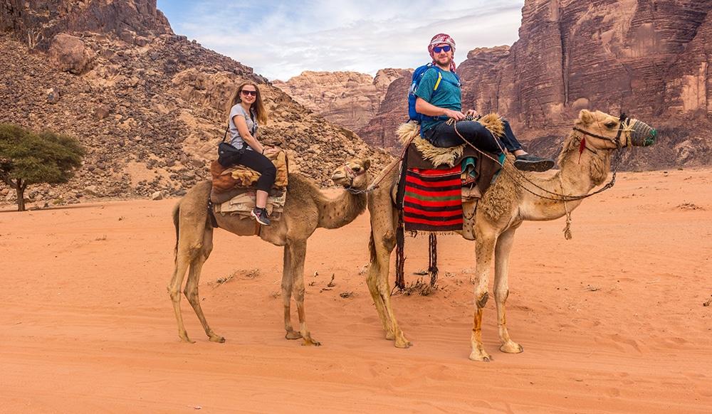 Na velbloudech ve Wadi Rum