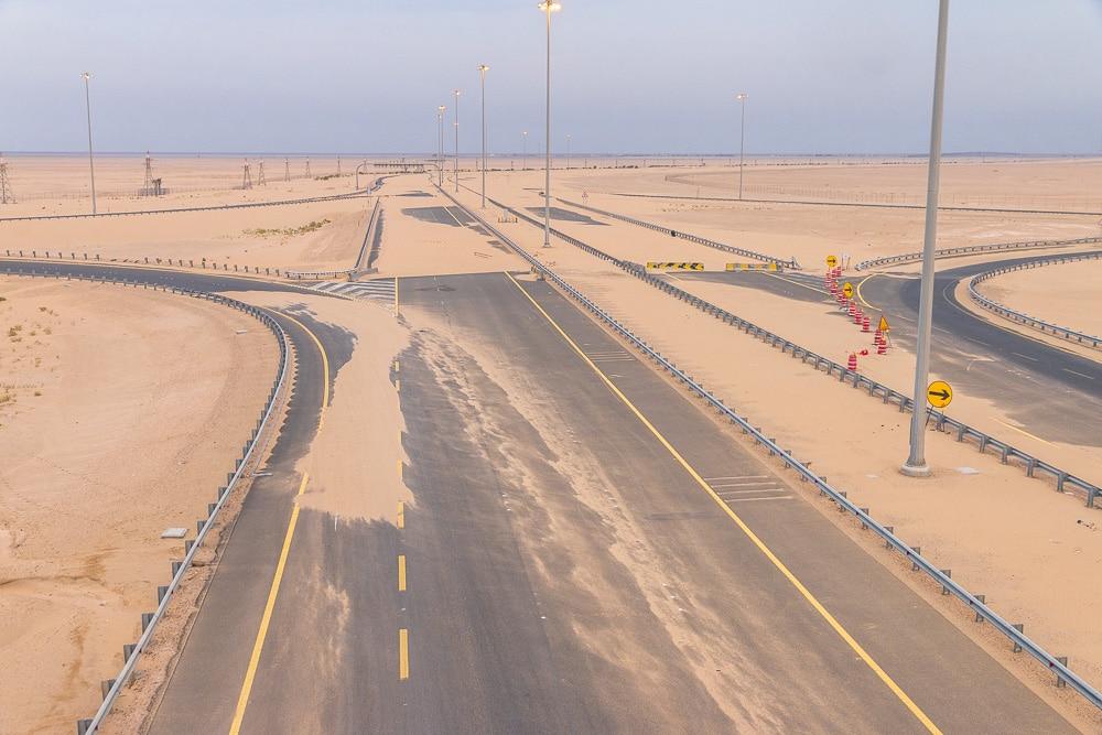 Kuwait sandy highway