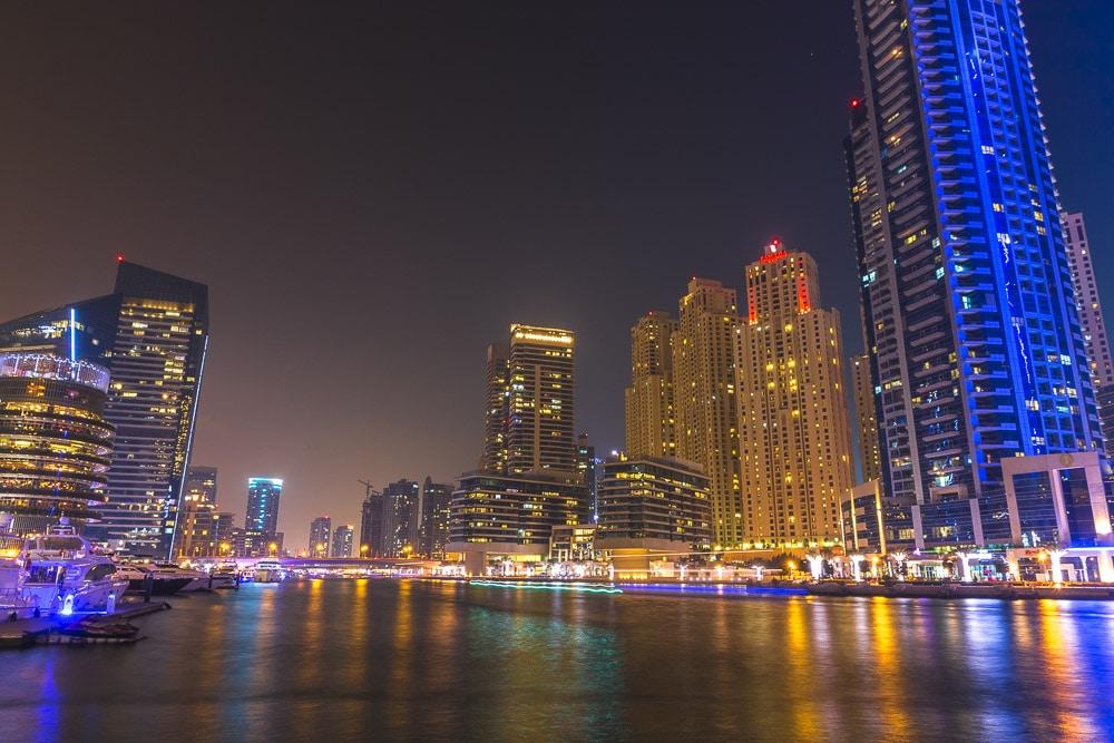 Dubai Marina v noci