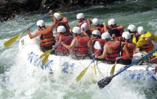 british-columbia-fraser-river-water-sport-rafting